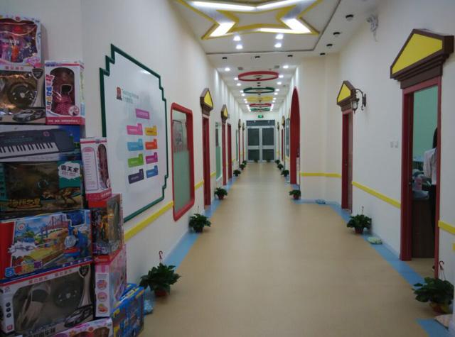 托马斯学习馆秦皇岛校-宽敞的文化走廊