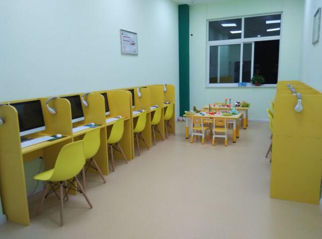 托马斯学习馆秦皇岛校-国内先进的O2O教室